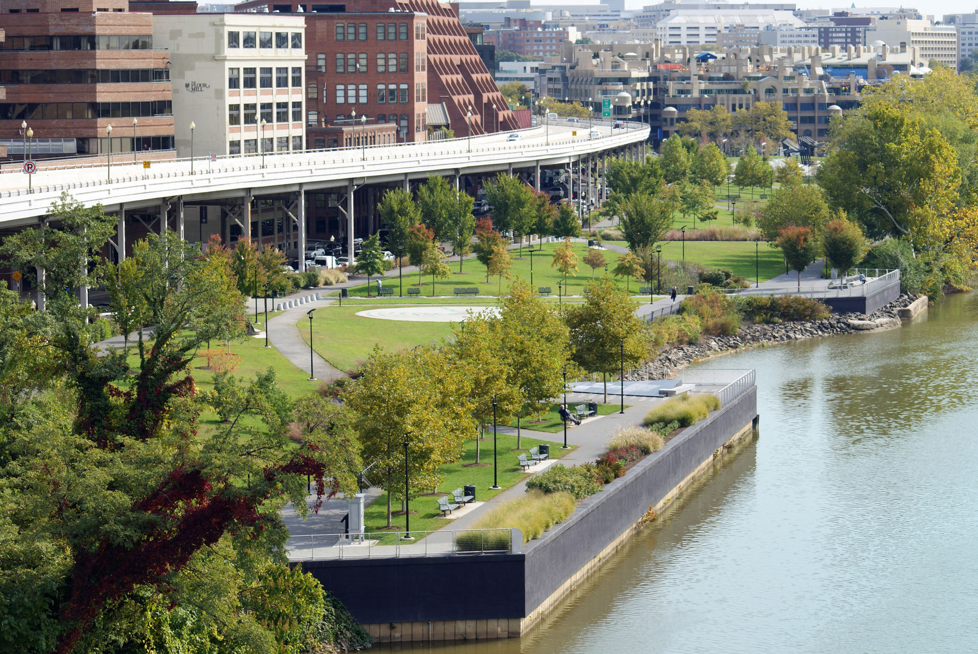 Georgetown Waterfront Park: SONY DSC
